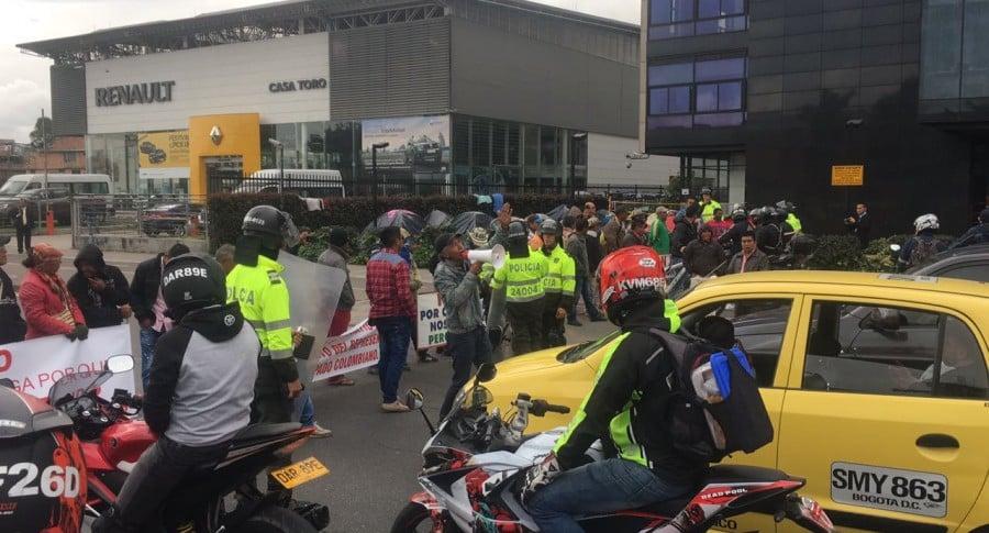 Protestas sobre la avenida Ciudad de Cali con avenida El Dorado