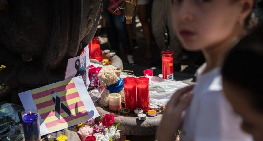 Homenaje a víctimas de  ataque en Barcelona