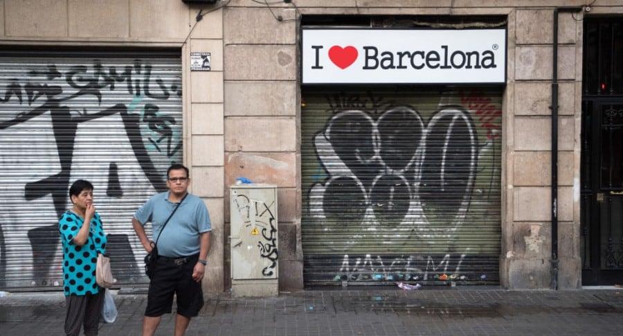 Personas en Barcelona después del atentado