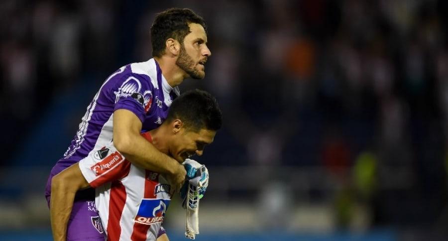 Sebastián Viera y Teófilo Gutiérrez con Junior