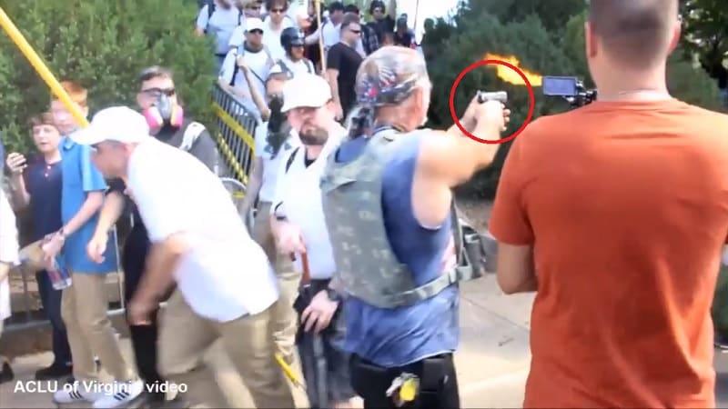 Neonazi dispara a antifascistas en Chalottesville