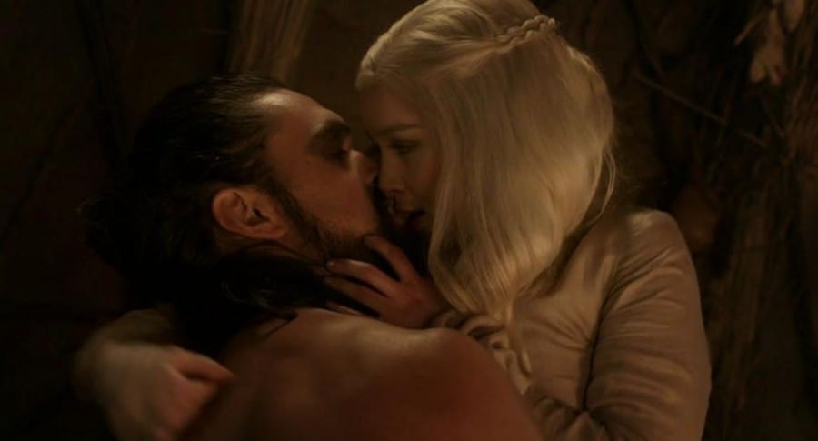 Emilia Clarke y Jason Momoa en 'Game of Thrones'