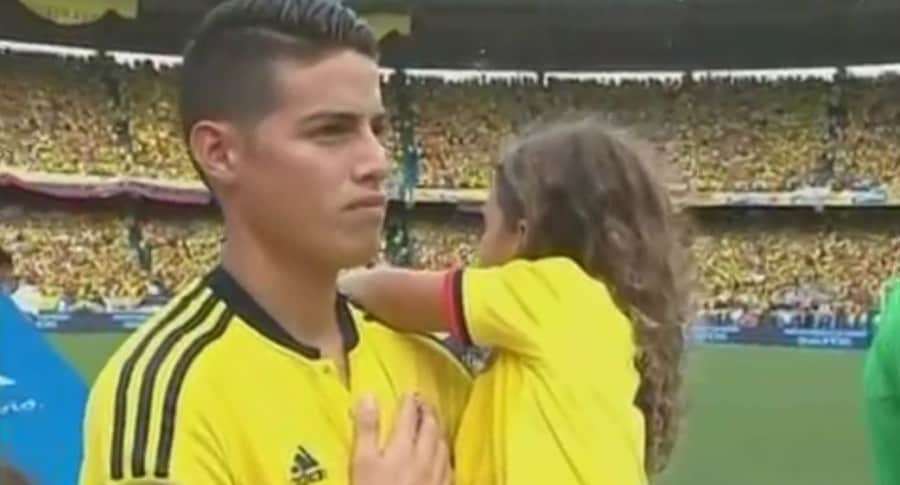 James Rodríguez, futbolista, y su hija Salomé.