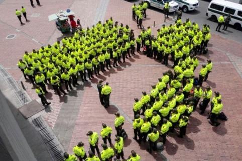 Hombres y mujeres de la policía de Cundinamarca