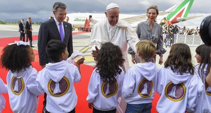 Saludo del papa Francisco a niños en Catam