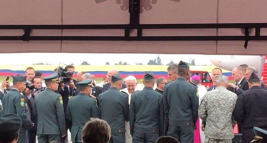 Bendición del papa a soldados