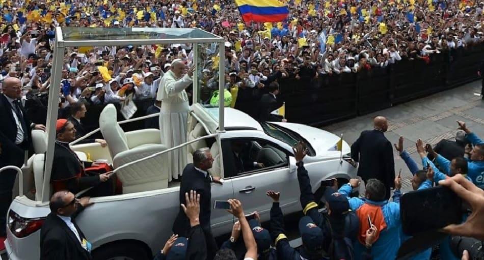Hombres de la seguridad del papa