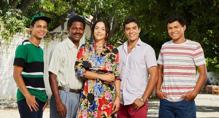 Junior Polo, Julio Meza, María Laura Quintero, Jerónimo Cantillo y Daniel Moreno, actores de 'Los Morales'.