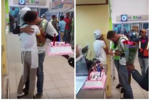 Propuesta de matrimonio frente a heladería de Santo Domingo, República Dominicana. Pulzo.