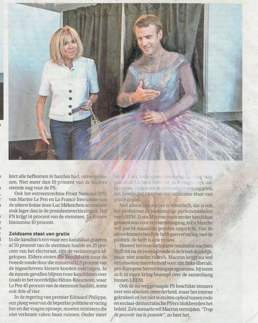 Macron vestido de mujer