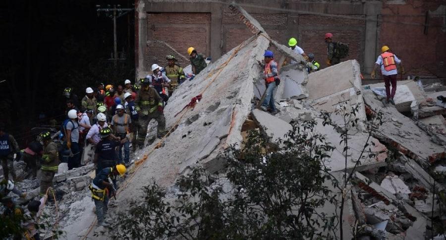 Búsqueda de sobrevivientes en México. Pulzo