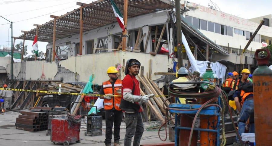 Labores de rescate en el colegio Enrique Rébsamen