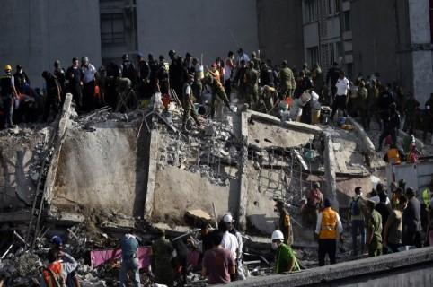 Edificio derrumbado por terremoto en México. Pulzo.