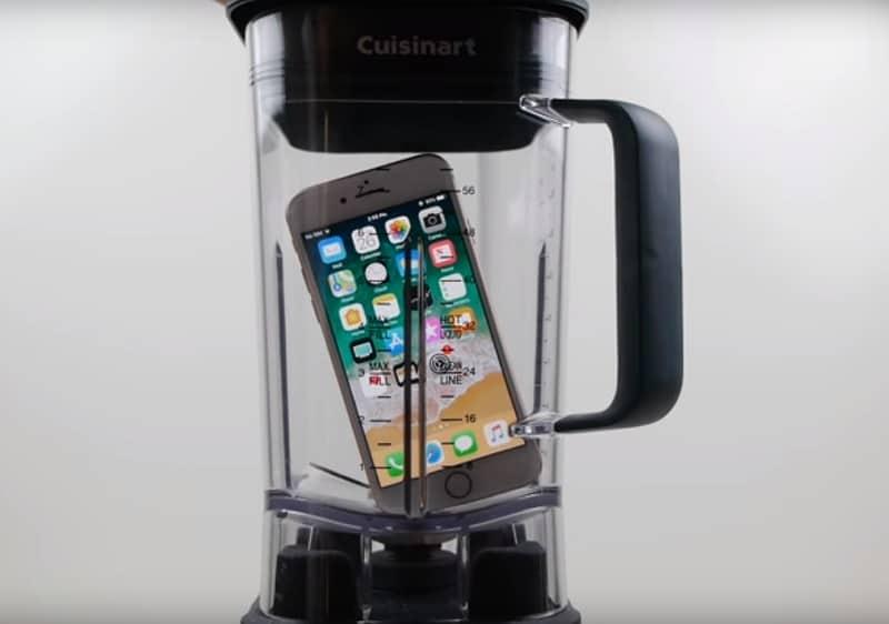 iPhone 8 en licuadora