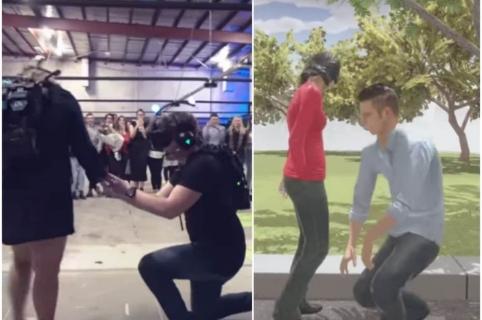 Hombre propone matrimonio con realidad virtual.