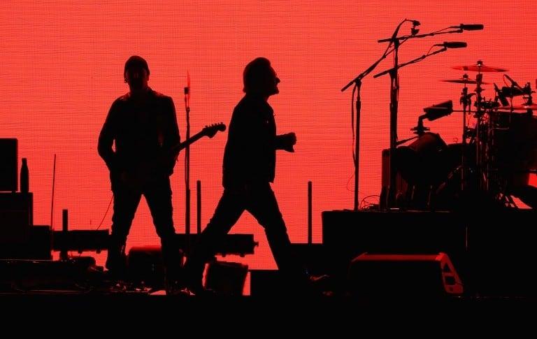 U2 en el estadio de la Universidad de Phoenix