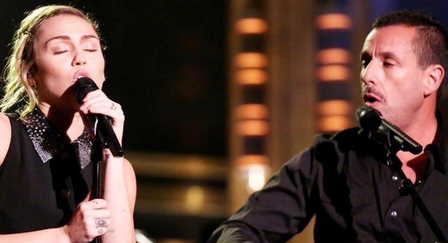 Miley Cyrus y Adam Sandler