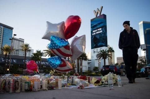 Homenajes luego de masacre en Las Vegas