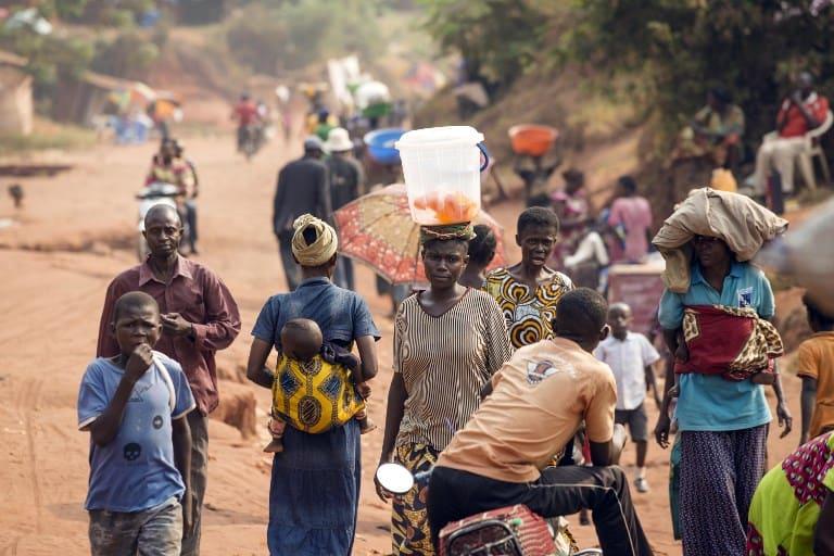 Pobladores en Tshikapa