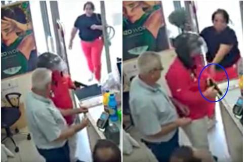 Mujer desarma a ladrón.