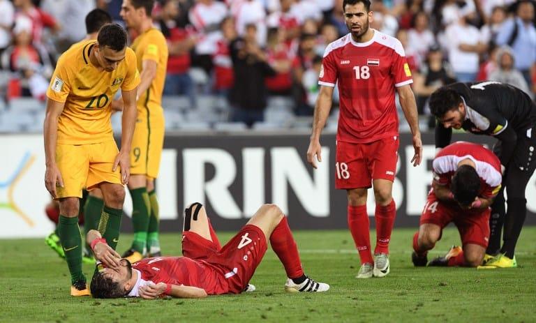 Jugador sirio desconsolado por derrota de Siria ante Australia. Pulzo.