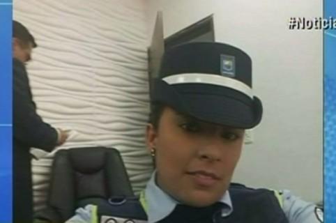 Agente de tránsito Lizeth Muñoz. Pulzo.