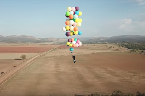 Británico que voló con globos de helio en Sudáfrica. Pulzo.