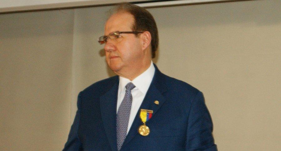 José Leonidas Bustos