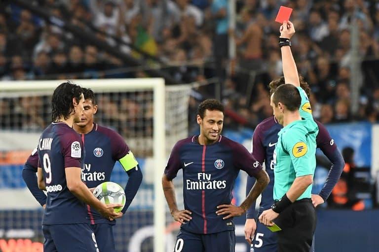 Tarjeta roja para Neymar. Pulzo.