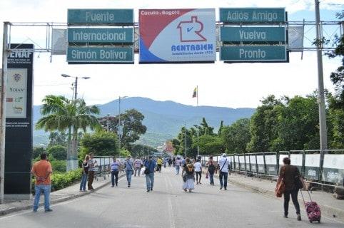 Frontera de Colombia con Venezuela. Puente Internacional Simón Bolívar.