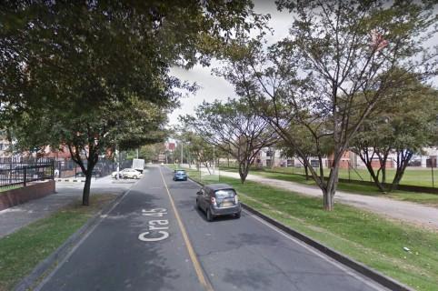 Carrera 45, costado occidental de la Universidad Nacional, donde asesinaron al hombre