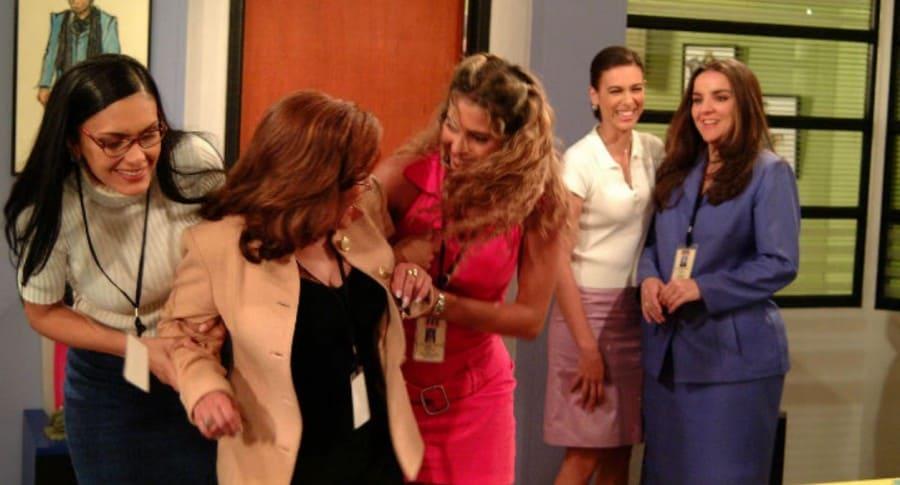 'La jirafa', Sofía, Aura María y Bertha, del 'cuartel de las feas' de 'Yo soy Betty, la fea'.