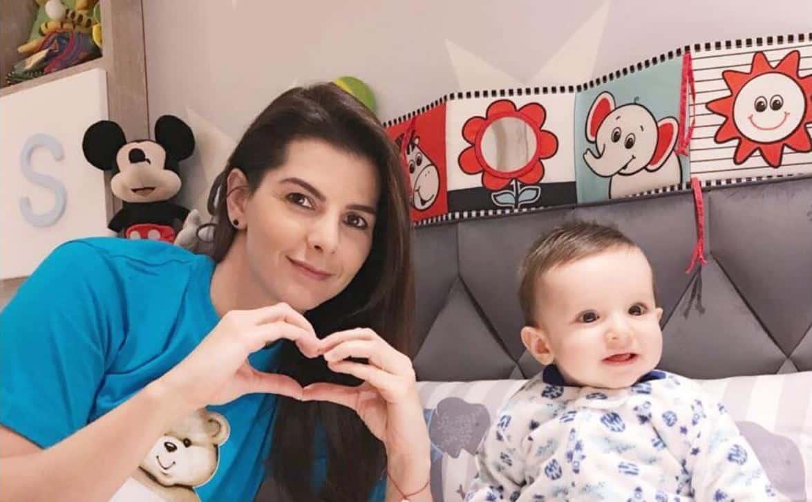 Carolina Cruz, presentadora, y su hijo Matías.