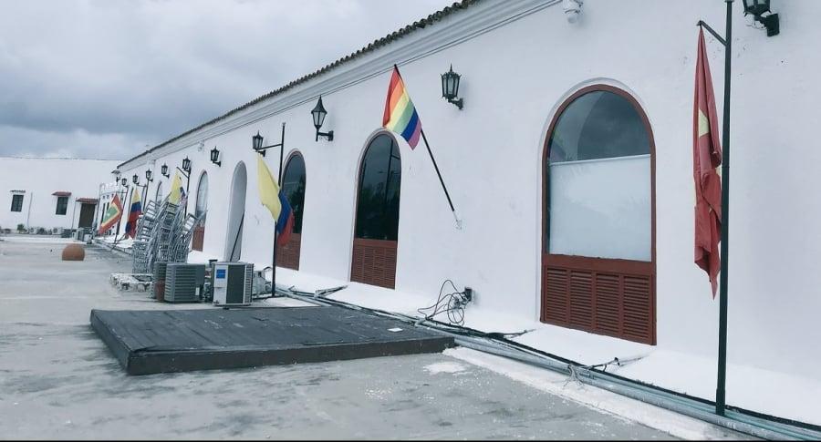 Banderas en alcaldía de Cartagena