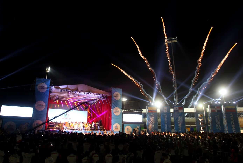 Santa Marta despide los Juegos Bolivarianos con una fiesta llena de color
