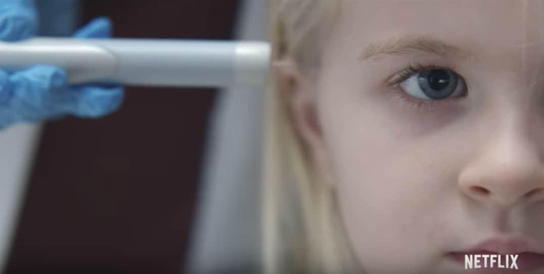 Escena de 'Arkangel', episodio de temporada 4 de 'Black Mirror'. Pulzo.