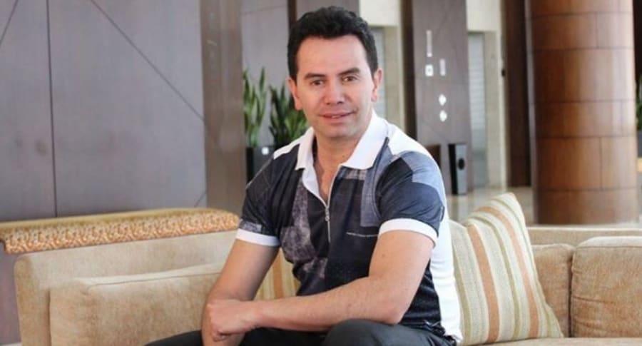Jhonny Rivera, cantante de música popular.