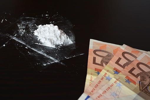 Cocaína y billetes de euros