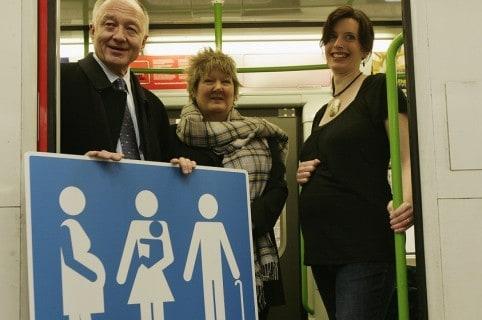 Embarazadas en el metro