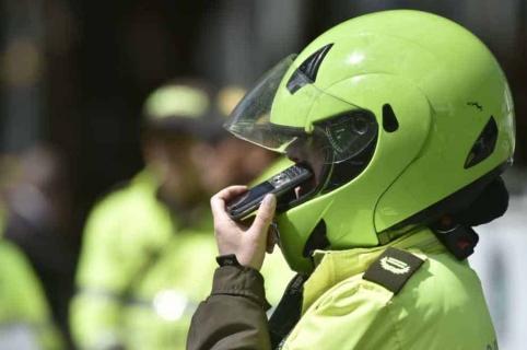 Policía media en riña