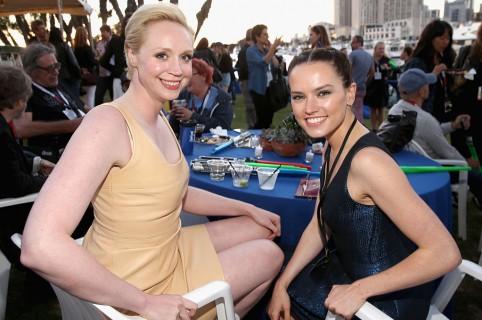 Gwendoline Christie y Daisy Ridley. Pulzo.