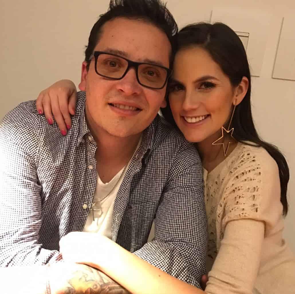 Diego Pulecio, cantante de Don Tetto, y su novia Linda Palma, presentadora.