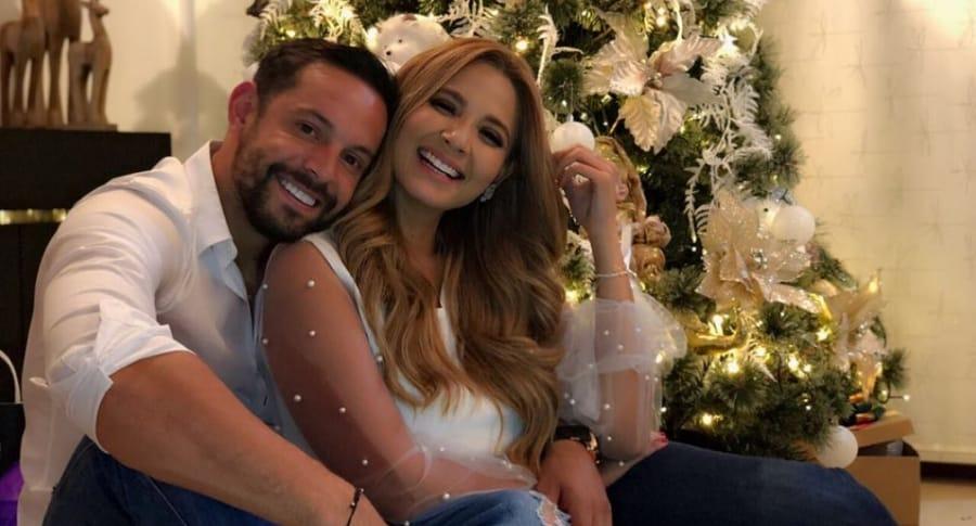 Matias Mier, futbolista, y Melissa Martínez, presentadora.
