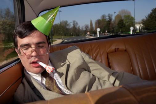 Borracho en un carro
