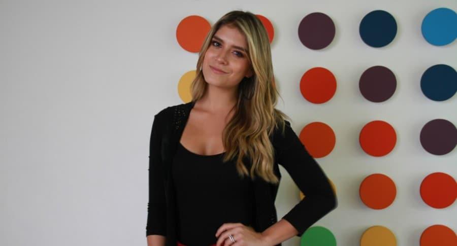 Laura Tobon, presentadora.