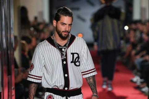 96e6d3b08b Maluma no solo cantó para Dolce & Gabbana, también desfiló; mira su pasarela
