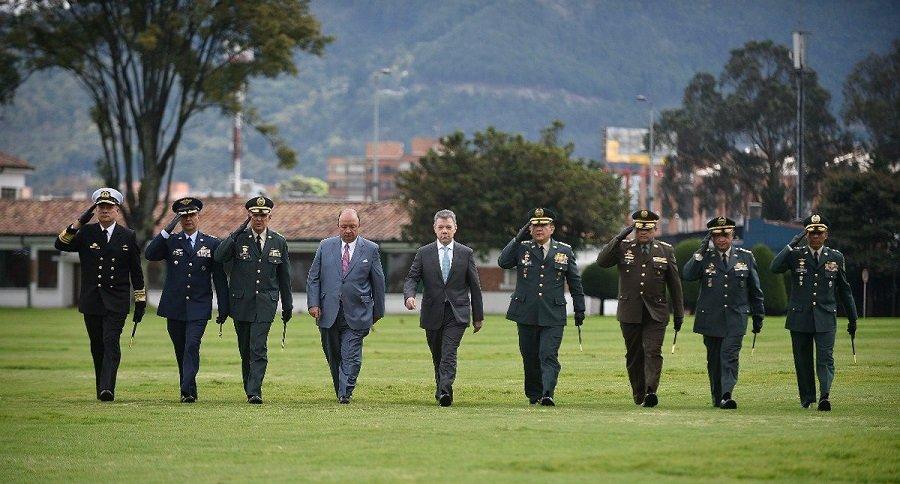 Juan Manuel Santos, Luis Carlos Villegas y cúpula Militar