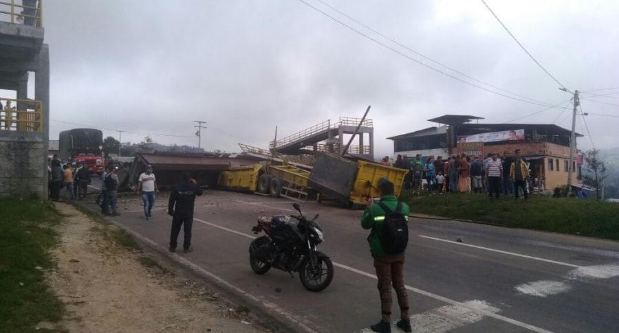 Accidente registrado en la vía Bogotá-Girardot. Pulzo.