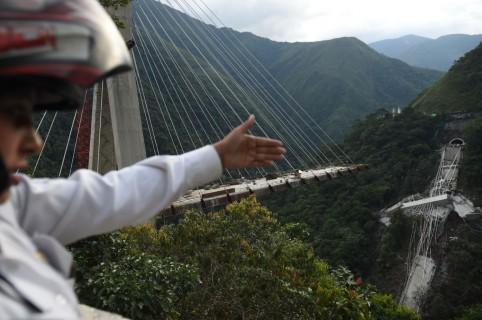 Desplome puente Chirajara