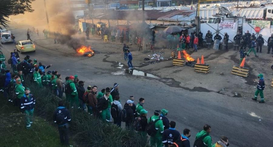 Protesta de trabajadores de Aguas Bogotá